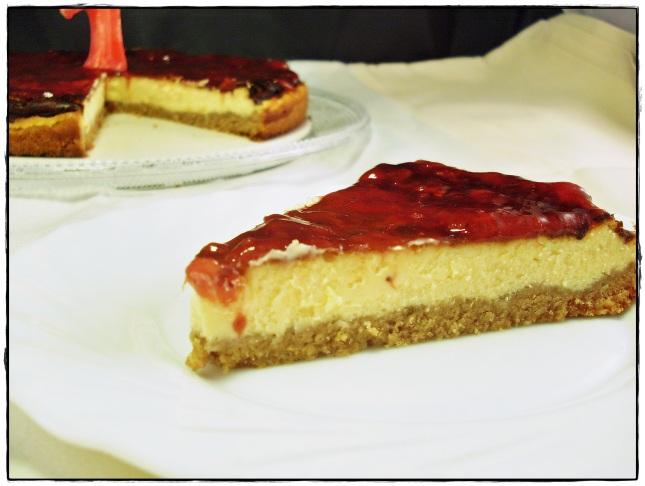 Tarta de afuega´l pitu roxu y almendra